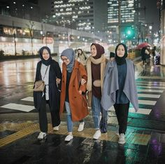 Style Hipster Winter Coats Ideas For 2019 Trendy Fashion, Womens Fashion, Trendy Style, Modest Fashion, Hijab Collection, Muslim Women Fashion, Hijab Chic, Muslim Girls, Mode Hijab