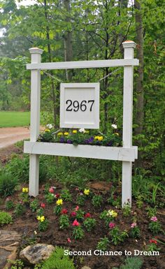 DIY house number planter box sign - Second Chance to Dream featured on @Remodelaholic