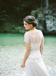 Graceful Vintage Wedding Dress | Melanie Nedelko Photography | A Lush Midsummer Wedding on the River in Fresh Berry and Mint