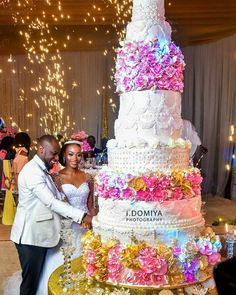 Who else love this cake as we do? #wadu17 cake is giving us major cake inspiration   Planner  @bluevelvetmarquee  Photography @i.domiya_photography  Special Effects @mkali_effects  Event coordination @the_planning_company #ebweddings  Congratulations Madu and Wabini.