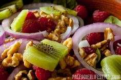 Raspberry and spinach salad A very simple Paleo salad of raspberry, spinach, walnuts, kiwis an Primal Recipes, Whole Food Recipes, Healthy Recipes, Paleo Food, Paleo Diet, Paleo Meals, Paleo Fruit, Gourmet Foods, Dukan Diet