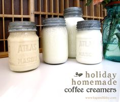 How amazing do these Homemade Holiday Creamers look! Get in my coffee now!