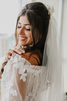 Casamento rústico romântico numa tarde iluminada em Brasília – Letícia Wedding, Classy Hairstyles, Makeup For Brides, Dream Wedding, Romanticism, Engagement, Future Tense, Profile, Valentines Day Weddings
