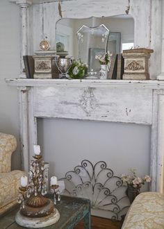 Shabbilicious Sunday featuring Chateau Chic. Weekly series by Shabby Art Boutique that features beautiful homes that embrace vintage, cottage…