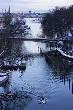 Winter kayaking in Stockholm, Sweden (by Arnaud Mariat)
