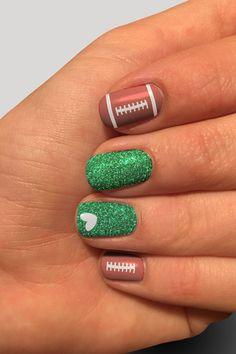 Football Nail Designs, Football Nail Art, Sports Nail Art, Holiday Nail Designs, Fall Nail Art Designs, Beautiful Nail Designs, Fingernail Designs, Toe Nail Designs, Easy Toenail Designs
