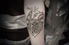 skateboard tattoo, skate heart one love, skateboarding Skateboard Tattoo, Skate Tattoo, Skateboard Girl, Dream Tattoos, Life Tattoos, Tatoos, Roller Derby Tattoo, Sick Tattoo, Skateboarding