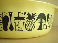 Pyrex Mod Decorator casserole 1958 promotional by SunnyDayVintage, $20.00