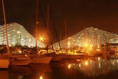 Rendez-vous n°7 : Dans la place / Marina Baie des Anges by night