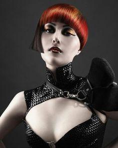 präsentiert von www.my-hair-and-me.de #women #hair #haare #short #kurz #kurzhaarfrisur #red #black #rot #schwarz #dress #kleid