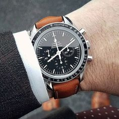 This is one of the sharpest looking Speedy / Hirsch combos in my opinion, here we have the Speedy of with an impressive Hirsch James fitted, gets my vote for , what do you guys think or Mens Sport Watches, Best Watches For Men, Cool Watches, Men's Watches, Omega Speedmaster Moonwatch, Stitching Leather, Luxury Watches, Calf Leather, Omega Watch