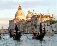 Unchanged bella Venezia.....this scene could have been captured centuries ago.