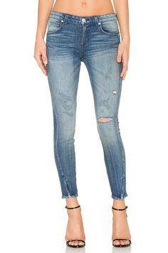 AMO TWIST ZIP. #amo #cloth #dress #top #shirt #pant #coat #jecket #jacket #shorts #ski