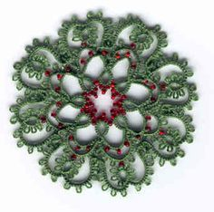 Tatted Christmas Wreath Pattern  http://allcraftsblogs.com/tatting/tatted_christmas_wreath/tatted_christmas_wreath.html