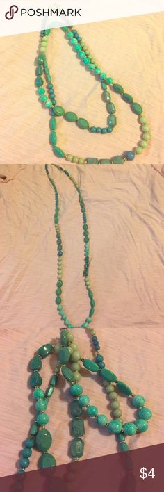 Turquoise Bead Necklace Pretty turquoise blue aqua bead necklace. Jewelry Necklaces