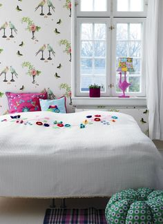 White Bedspread wirh Crochet and Embroidered Flower Vine from Rice