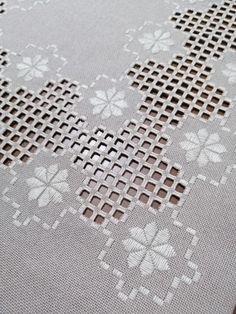 Hardanger Embroidery, Just Do It, Quilling, Couture, Quilts, Blanket, Towels, Craft, Crochet Decoration