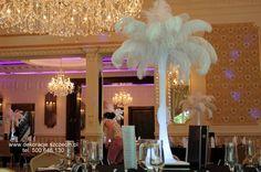 dekoracja - lata 20ste Chandelier, Decorations, Ceiling Lights, Lighting, Home Decor, Candelabra, Decoration Home, Room Decor, Chandeliers