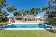 711 ads of luxury villas for sale in the autonomous community of Catalonia: on LuxuryEstate you will find thousands of ads selected by the best real estate agencies in the luxury sector in Spain. Real Estate Agency, Luxury Villa, Community, Mansions, House Styles, Outdoor Decor, Home, Luxury Condo, Real Estate Office