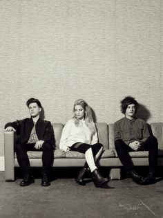 London Grammar https://www.youtube.com/watch?v=pkeDBwsIaZw