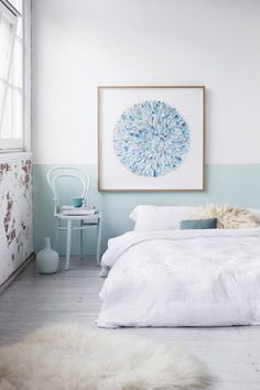 I like the two toned accent wall ( all other walls same color as the light part of accent wall).