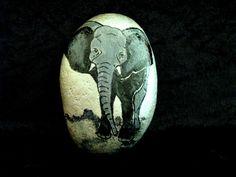 Beschilderde steen jonge olifant