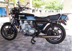http://classicmotorcycles.about.com/od/historicaldevelopment/ss/Kawasaki-Z1300.htm