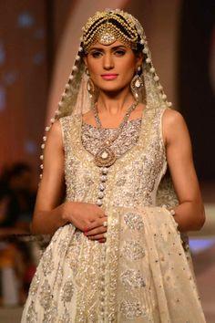 Zainab Chottani Bridal Dresses 2013 -2014 Collection, Zainab Chottani Latest Wedding Lehenga Collection 2013 -2014 London, Nayna Manchester, Leicester, Toronto, Chicago, Nayna California, Texas, Washington D.C. by www.libasgallery.com #Lehenga, #MuslimWedding, www.PerfectMuslimWedding.com