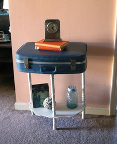 Easy and quick tutorial for turning old suitcase into table.   I could sooooo do this.