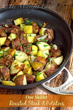 One-Skillet Roasted Steak & Potatoes | bakeatmidnite.com | #beef…