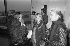 Juliette Berto, Bulle Ogier et Marie Dubois le 2 février 1972 à Schiphol aux Pays-Bas.