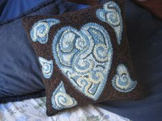 Parris House Wool Works: Hooked Rug Pillow Finishing - Just One Way