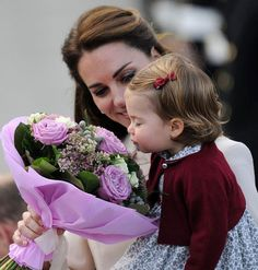 I love this picture. Kate and Princess Charlotte.