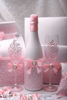 Wedding money box Set Pink HAND-Painted Wedding Bridal accessory set Wedding card box set Bridal set Wedding Accessories Set Pink Wedding – The Best Ideas Diy Bottle, Wine Bottle Crafts, Bottle Art, Glitter Wine Bottles, Glass Bottles, Money Box Wedding, Card Box Wedding, Wedding Gifts, Trendy Wedding