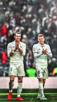 Gareth Bale and Toni Kroos Real Madrid Football Club, Real Madrid Players, Best Football Team, Sport Football, Nike Soccer, Soccer Cleats, Solo Soccer, Gareth Bale, Steven Gerrard