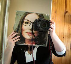 La face cachée des pochettes de disques vinyle - Le but : se prendre en photo avec une pochette de disque vinyle sur le visage...