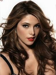 Ashley Greene Layers and Dramatic Changes in Her Hair Color is a celebrated Hollywood personality. No one can forget The Twilight Saga: Eclipse's Alice Cullen. Alice Cullen rocked a short, choppy hairstyle in the movie. Hot Hair Colors, Fall Hair Colors, Cool Hair Color, Brown Hair Colors, Medium Dark Brown Hair, Chestnut Brown Hair, Ashley Green, Mahogany Hair, Medium Hair Styles