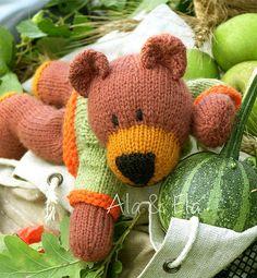 knitted bear, knitted teddy http://twinsknit.blogspot.com/