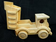 Solid Wood Dump Truck  Moving Parts  Excellent by ChicAvantGarde, $15.00