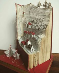 Origami Flowers 718605684279786918 - Abdullah Hızarcı Source by orchideeardechoise Old Book Crafts, Book Page Crafts, Diy And Crafts, Arts And Crafts, Altered Book Art, Altered Tins, Book Folding Patterns, Folded Book Art, Book Sculpture