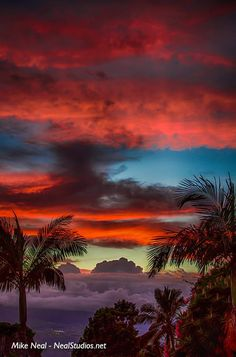 Maui, Hawaii beautiful sky during sunset Beautiful Sunset, Beautiful World, Beautiful Places, All Nature, Amazing Nature, Belle Photo, Pretty Pictures, Amazing Pictures, Beautiful Landscapes