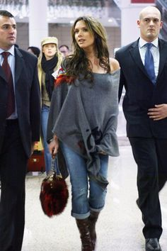 Victoria Beckham's Maternity Style Tip For Expectant Moms Is Pretty Frickin' Brilliant