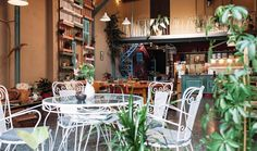 Momma Great cozy bistro in Athens - Εικόνα του Nonna, Αθήνα - Tripadvisor Cafe Restaurant, Cosy, Trip Advisor, Table Settings, Table Decorations, Eat, Places, Restaurants, Home Decor