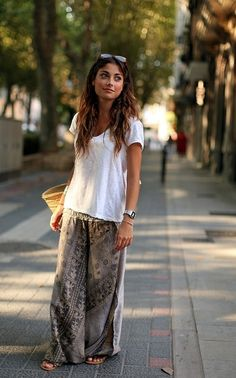 Long skirts #tshirt #casual #layers