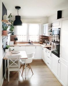 38 creative small kitchen design and organization ideas 24 Home Decor Kitchen, Home Kitchens, Big Kitchen, Kitchen Designs, Kitchen Ideas, Kitchen Furniture, Wood Furniture, Contemporary Kitchen Interior, Contemporary Apartment
