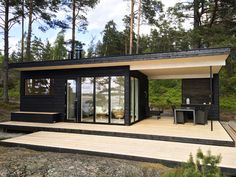 Container House - Résultat de recherche dimages pour mökki 25 moderni Who Else Wants Simple Step-By-Step Plans To Design And Build A Container Home From Scratch? Building A Container Home, Container House Design, Tiny House Design, Modern House Design, Container Van House, Modern Tree House, Future House, My House, Shipping Container Homes