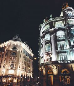 E N J O Y !! thesuites MADRID, the COOL life • photo by @miguelcarrizo #madrid #night #lifestyle #thesuites #nohotels