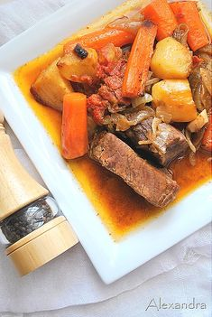 Beef stew in a pot Cooking Recipes, Healthy Recipes, Healthy Foods, Greek Recipes, Pot Roast, Carne, Stew, Food And Drink, Meat