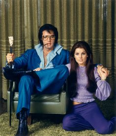Elvis & Priscilla at their Hillcrest home in Los Angeles on December 10, 1970
