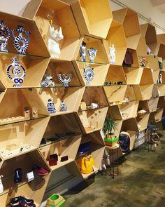 Nos alegra anunciar que desde hoy mismo podéis encontrar en @Nuovum nuestra colección de carteras y mochilas!